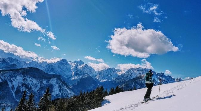 Fantje in dekleta, najboljše smučanje v slovenskih gorah šeprihaja