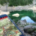 S pametnim telefonom v gore